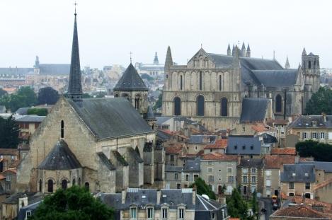 Poitiers_-_Eglise_Sainte-Radegonde_4 copie